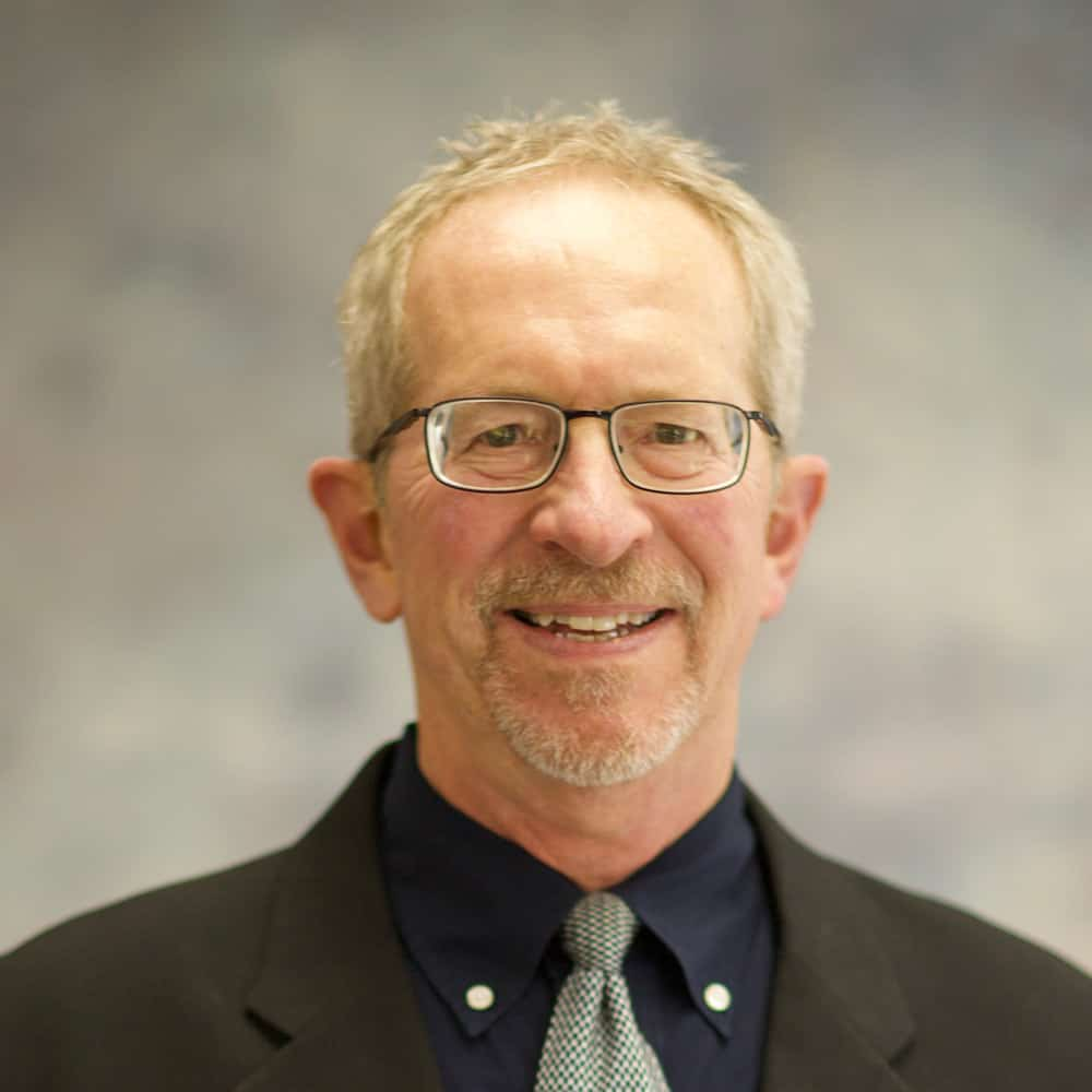 Photo-of-Dr-Glenn-Huth